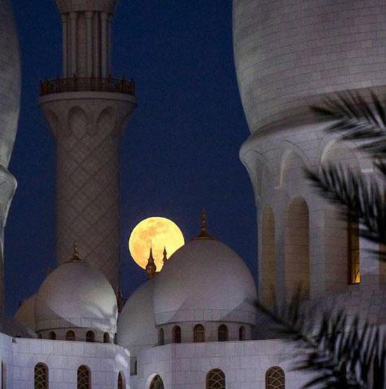 جمال-القمر-فى-دبى-وأبو-ظبى-(1)