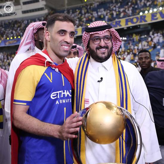 رئيس النصر مع عبد الرزاق حمد الله