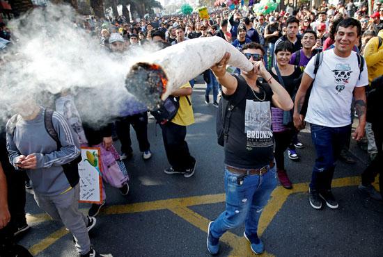 مسيرة الحشاشين فى تشيلى (7)