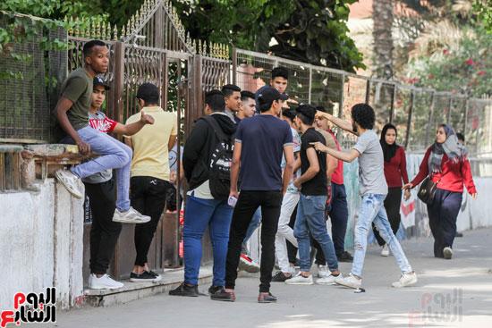طلاب الدبلومات (1)