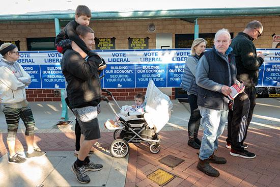 الناخبون يشاركون فى الانتخابات التشريعية الاسترالية