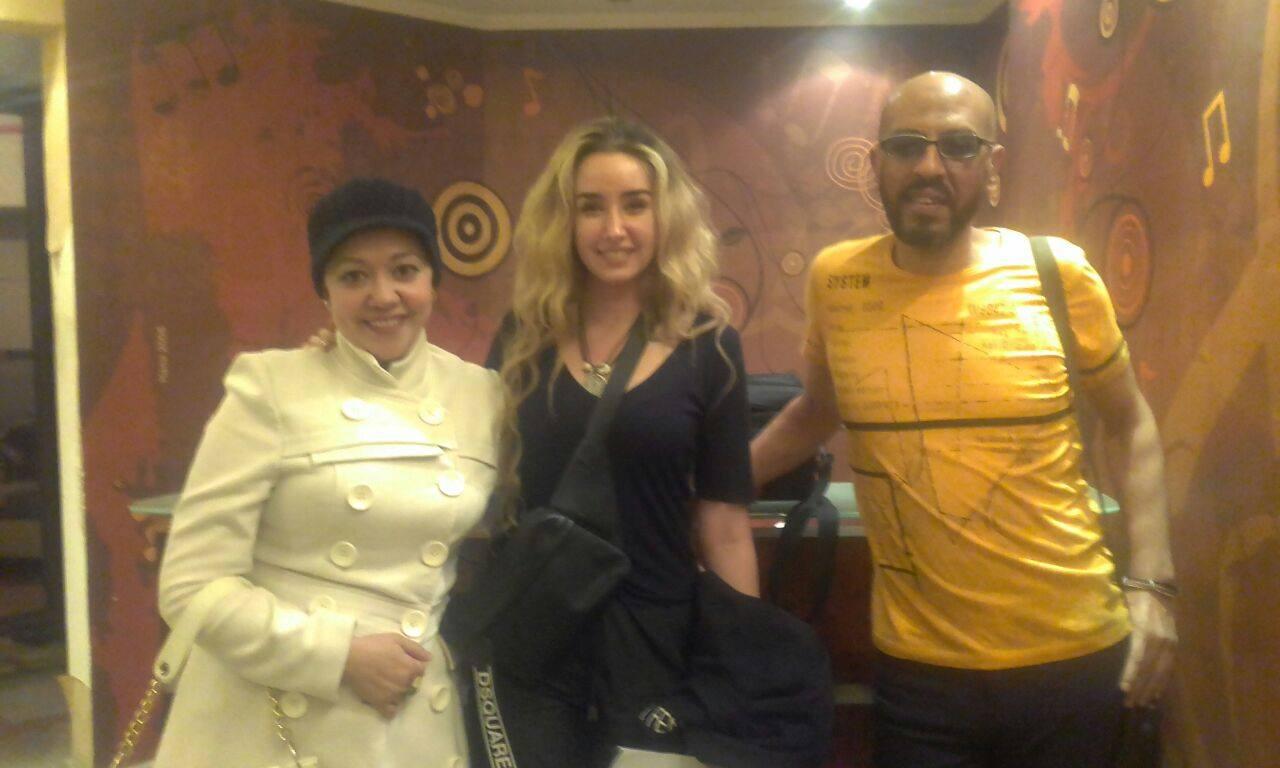 هنا الزاهد مع المؤلف محمد عبد الحميد ورنا خليل