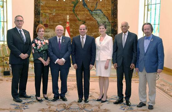 الرئيس عبد الفتاح السيسى ورئيس مجلس الشيوخ الكندى (1)