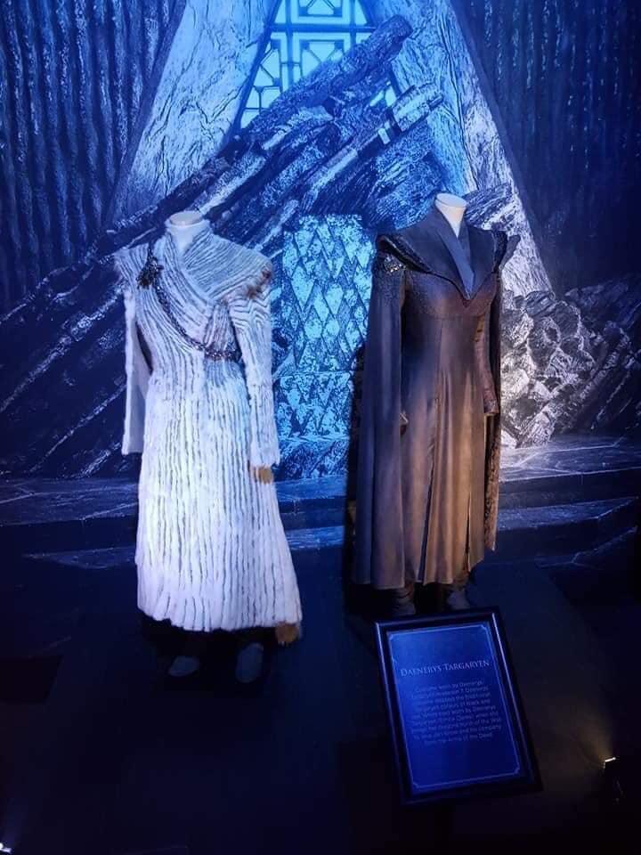 ملابس ملكة التنانين