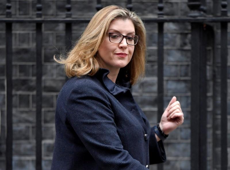 بينى موردونت وزيرة للدفاع فى بريطانيا (2)
