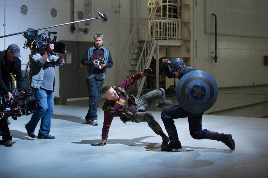 كريس إيفانز في كواليس Captain America The Winter Soldier عام 2014