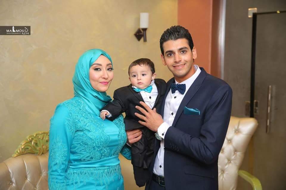 الشهيد وزوجته ونجلهما-1