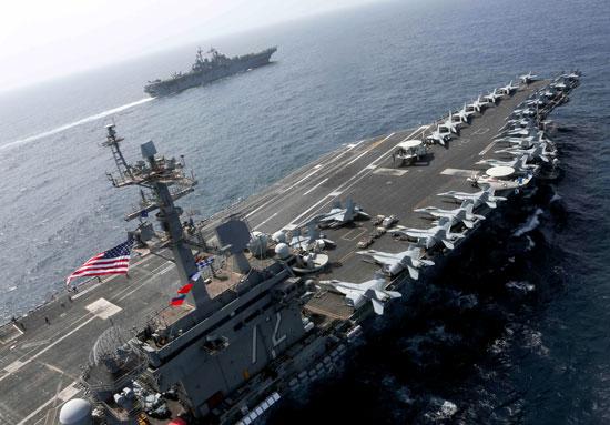 جانب من المناورات الأمريكية فى بحر العرب (8)