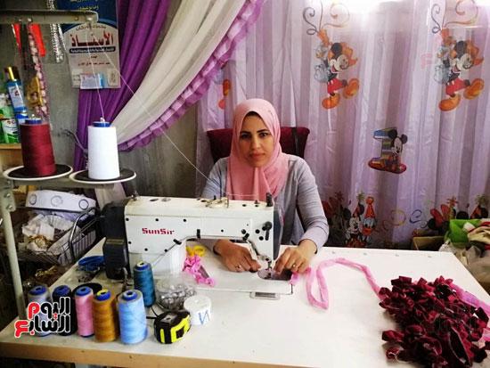 إيمان قصة نجاح فتاة من الصعيد (6)
