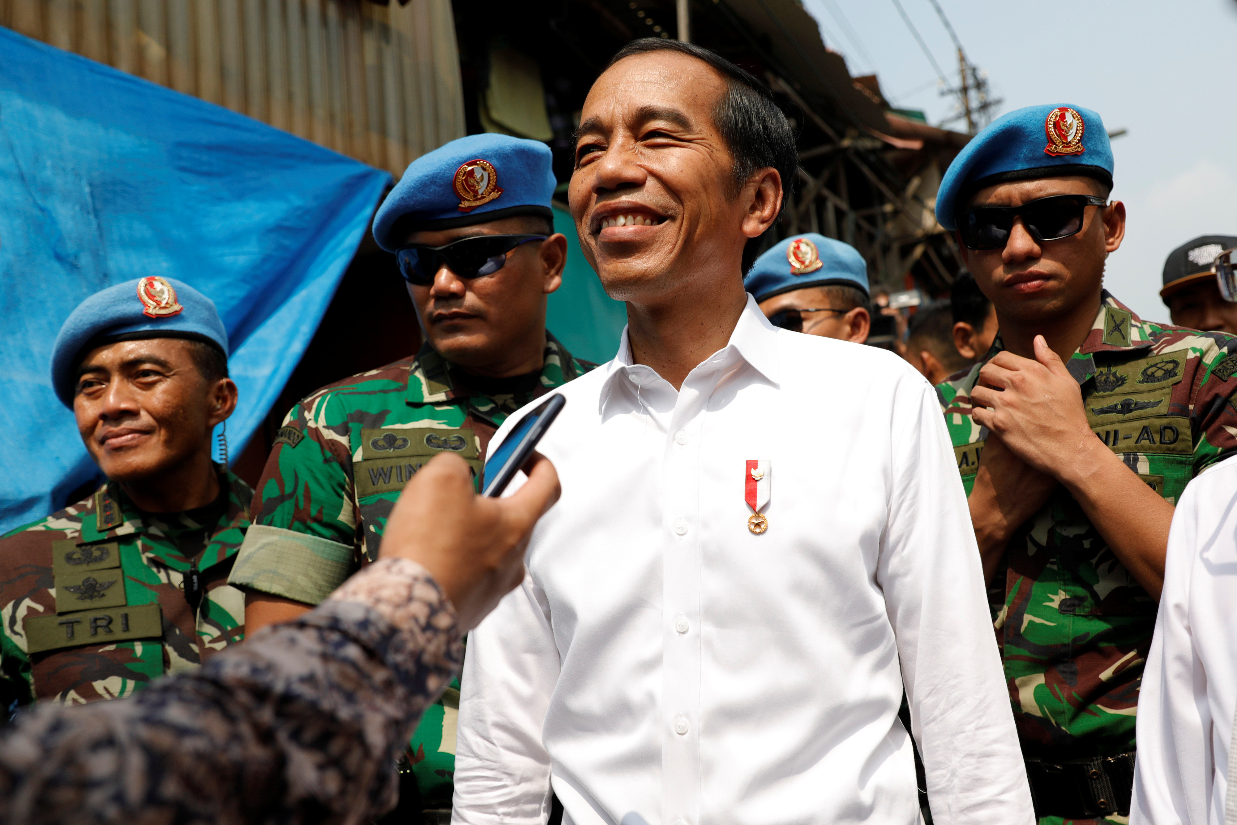 2019-05-21T065908Z_712755273_RC169F095660_RTRMADP_3_INDONESIA-ELECTION