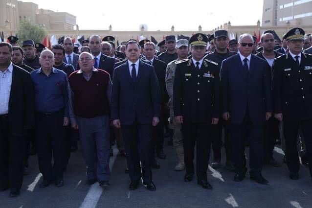 وزير الداخلية فى جنازة الشهيد ماجد عبد الرازق