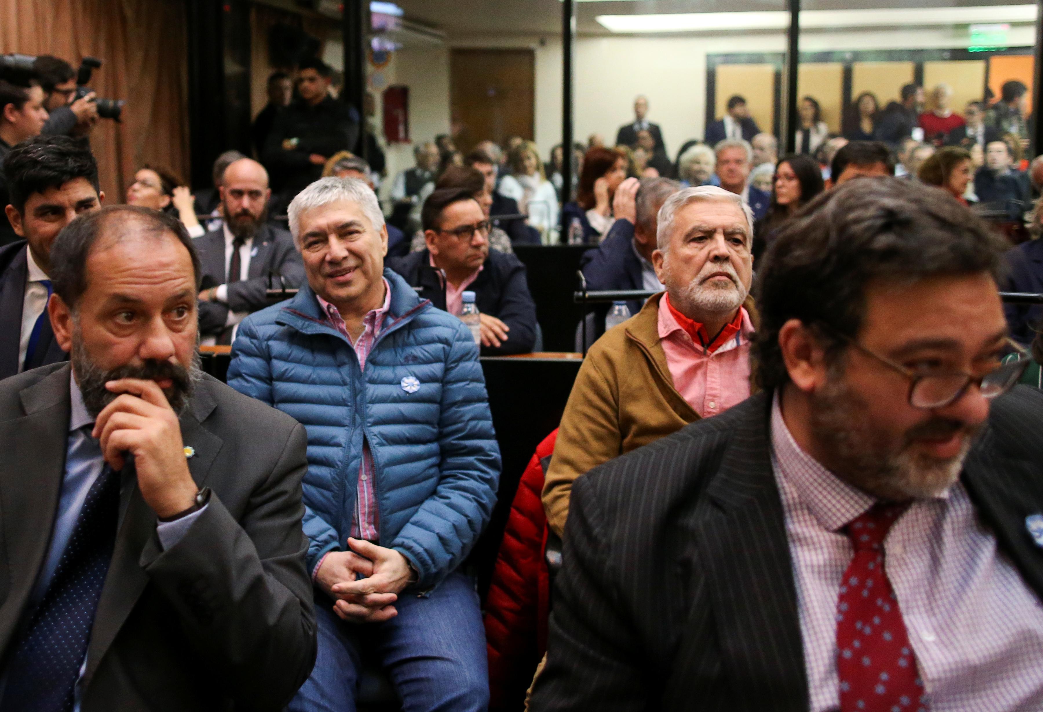 جانب من الحضور فى قاعة المحكمة