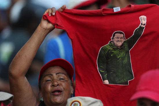 احتفالات بالذكرى السنوية الأولى لإعادة انتخاب مادورو رئيسا لفنزويلا (8)