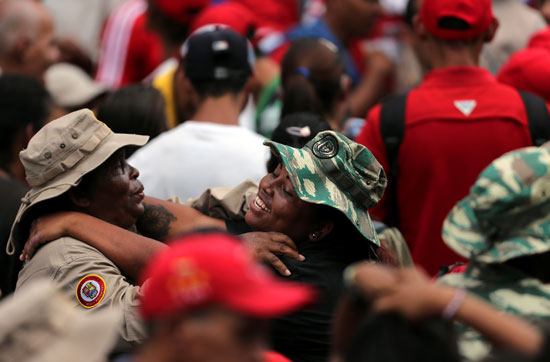 احتفالات بالذكرى السنوية الأولى لإعادة انتخاب مادورو رئيسا لفنزويلا (6)