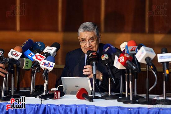 الدكتور محمد شاكر وزير الكهرباء والطاقة المتجددة  (10)