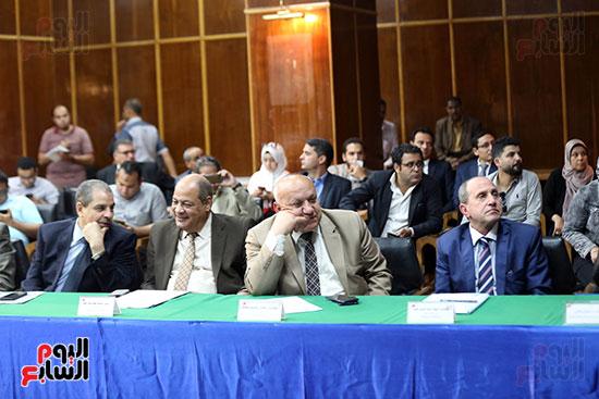 الدكتور محمد شاكر وزير الكهرباء والطاقة المتجددة  (5)