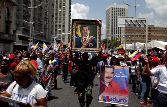 احتفالات بالذكرى السنوية الأولى لإعادة انتخاب مادورو رئيسا لفنزويلا (3)