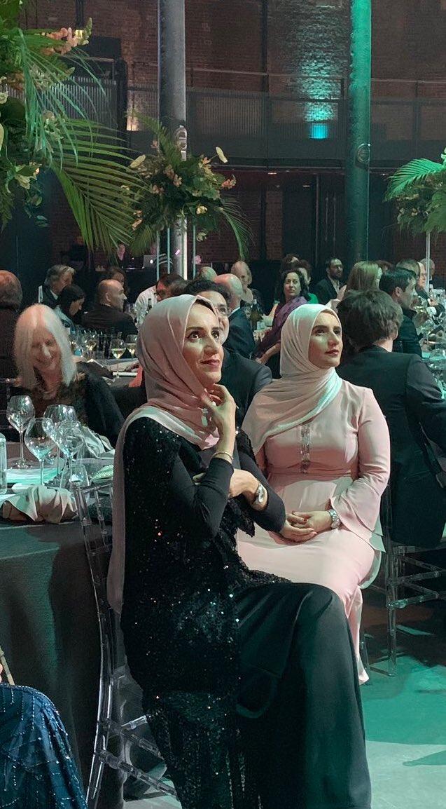 الكاتبة جوخه الحارثى قبل الإعلان عن الفائز بجائزة مان بوكر 2019