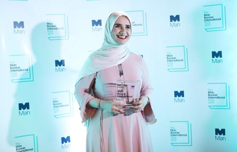جوخة الحارثى صاحبة أول رواية عربية تفوز بجائزة مان بوكر 2019