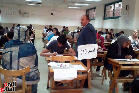 جامعة عين شمس تجتاز الأسبوع الثالث للامتحانات بنجاح (1)