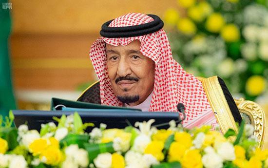 الملك سلمان بن عبد العزيز آل سعود خلال الاجتماع
