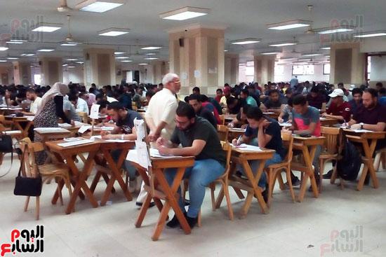 جامعة عين شمس تجتاز الأسبوع الثالث للامتحانات بنجاح (2)