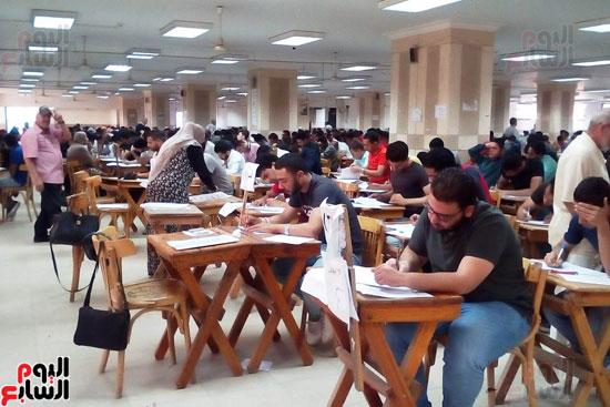 جامعة عين شمس تجتاز الأسبوع الثالث للامتحانات بنجاح (3)