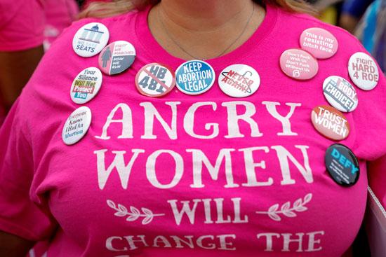 سيدة-أمريكية-تدعو-للتوقف-عن-حظر-الإجهاض