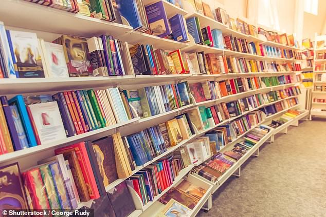 بريطانى يعيد كتاب استعاره من المكتبة بعد 52 عاما (1)