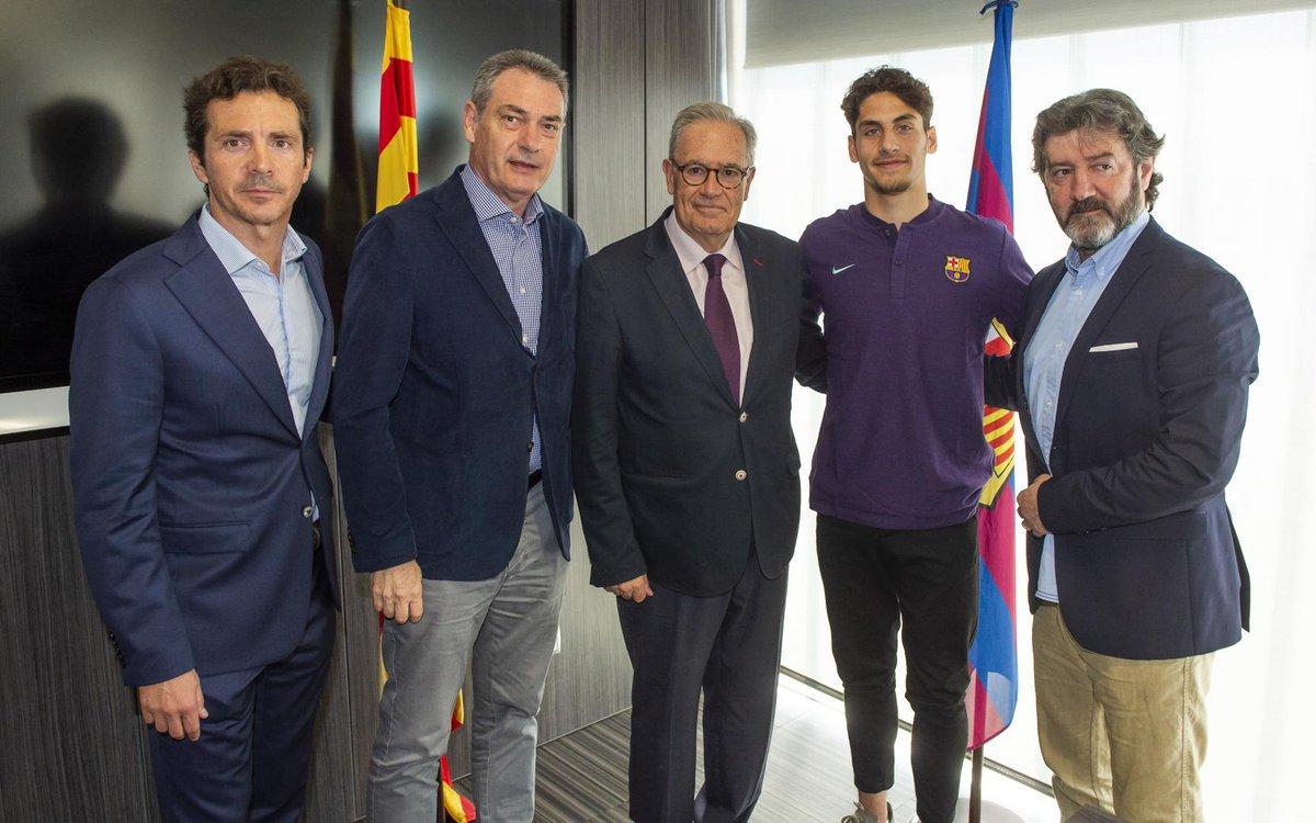 لودوفيت ريس مع مسئولى برشلونة