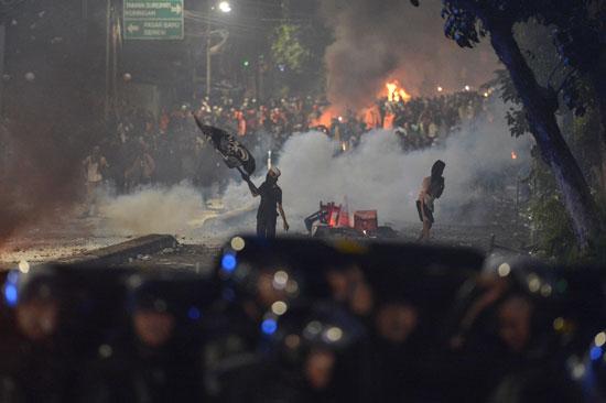 تجدد الاشتباكات فى إندونيسيا (1)