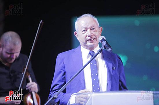 رئيس الوزراء يصل حفل تطوير مشروع حديقة الشيخ زايد (12)