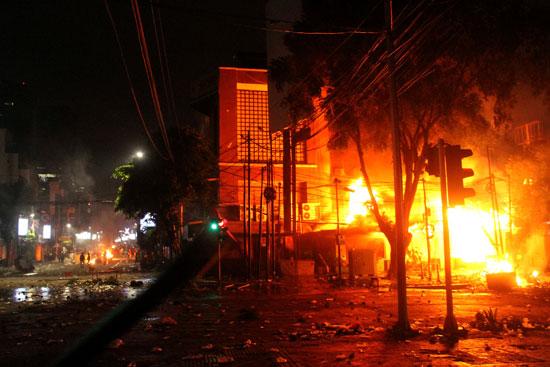 تجدد الاشتباكات فى إندونيسيا (7)
