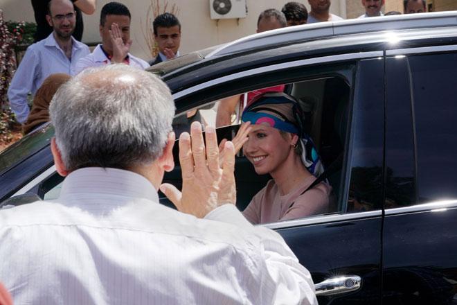 السيدة أسماء الأسد  مركز الأطراف الاصطناعية في مدينة حماة .999