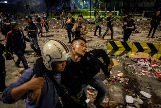 تجدد الاشتباكات فى إندونيسيا (8)