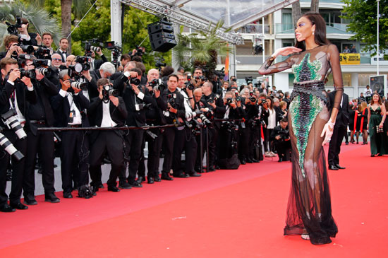 2019-05-22T171830Z_411017588_UP1EF5M1C2UGS_RTRMADP_3_FILMFESTIVAL-CANNES-OH-MERCY