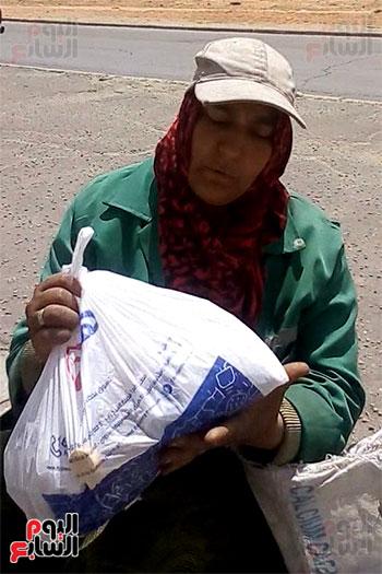 عاملات-النظافة-بالعاشر-من-رمضان-(10)