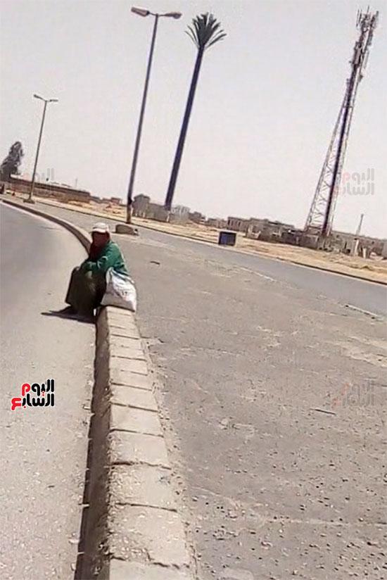 عاملات-النظافة-بالعاشر-من-رمضان-(12)