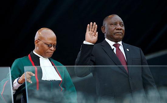 تنصيب رئيس جنوب أفريقيا سيريل رامافوزا