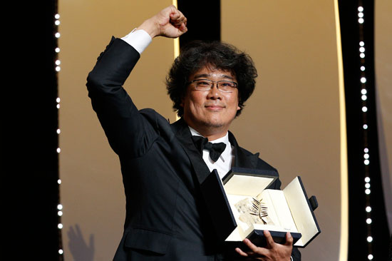 المخرج الكوري الجنوبي بونج جون-هو بجائزة السعفة الذهبية