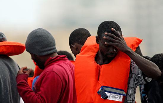 جانب من إنقاذ المهاجرين