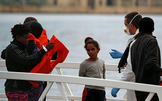 انقاذ مهاجرين بالقرب من سواحل مالطا