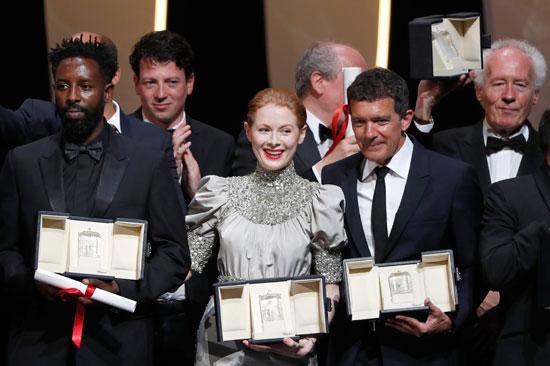 جانب من الاحتفالات بالجوائز فى مهرجان كان