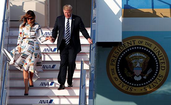 الرئيس الأمريكى يصلان طوكيو فى زيارة رسمية