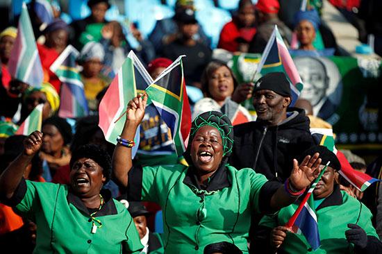 أنصار رئيس جنوب أفريقيا سيريل رامافوزا