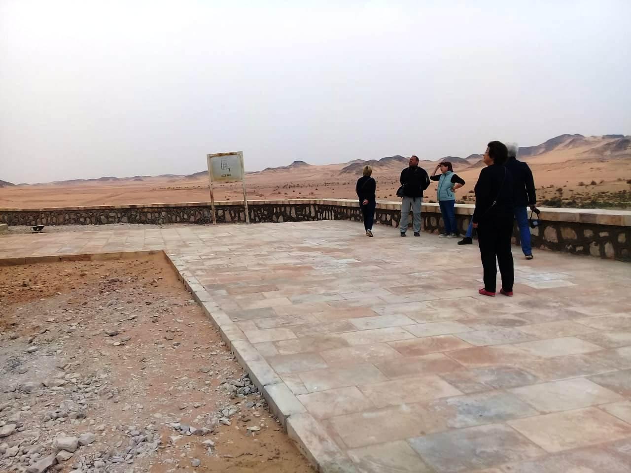 معبد الدكة قبل خطة التطوير وبعد الانتهاء من جزء منها (2)