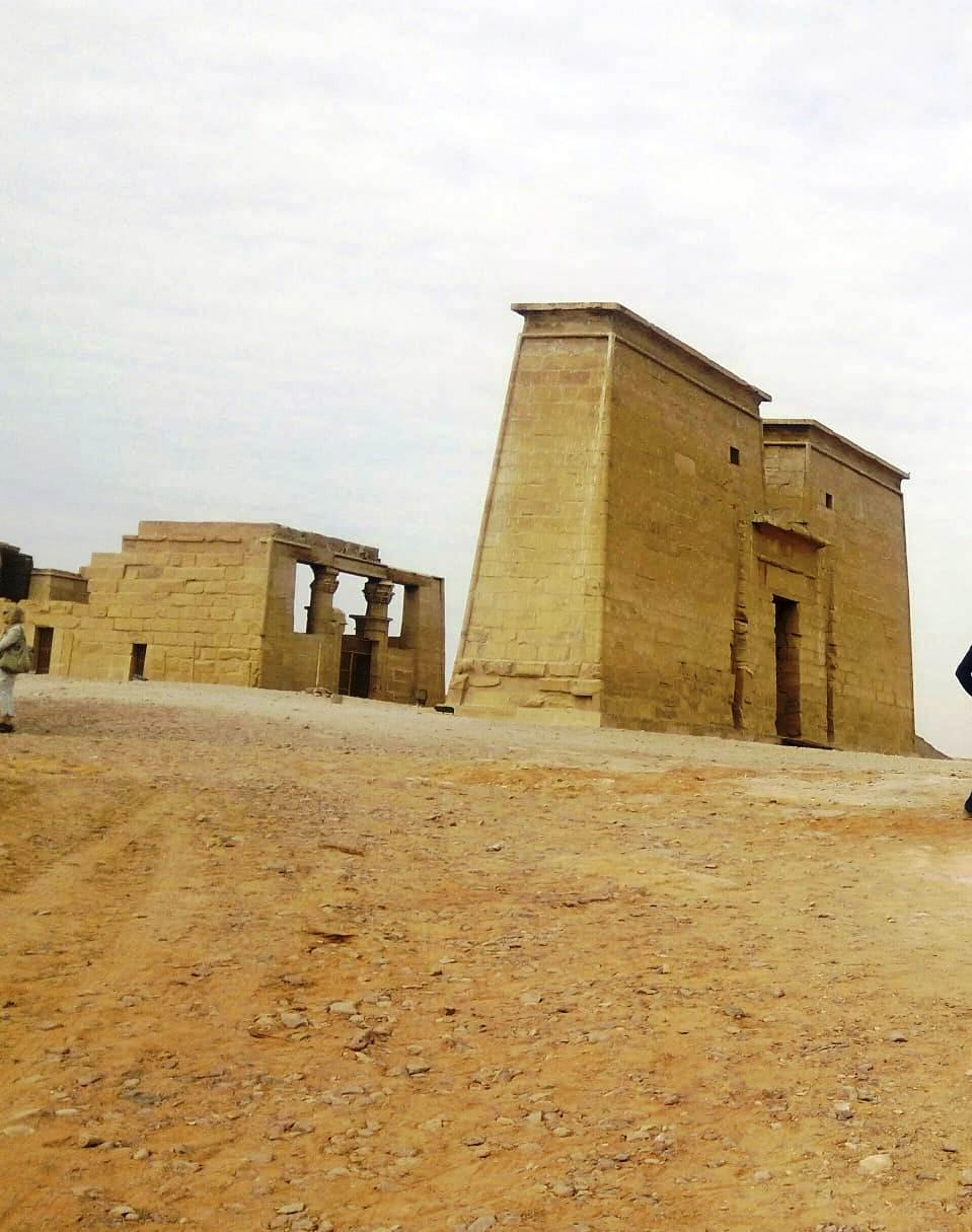 معبد الدكة قبل خطة التطوير وبعد الانتهاء من جزء منها (7)