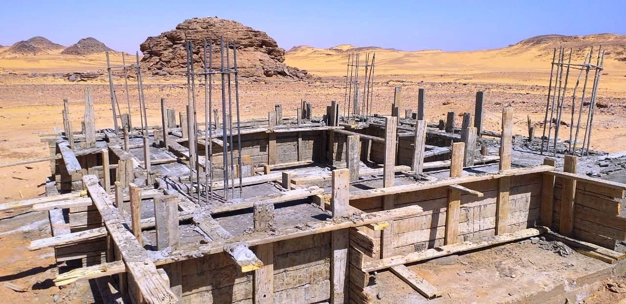 معبد الدكة قبل خطة التطوير وبعد الانتهاء من جزء منها (5)