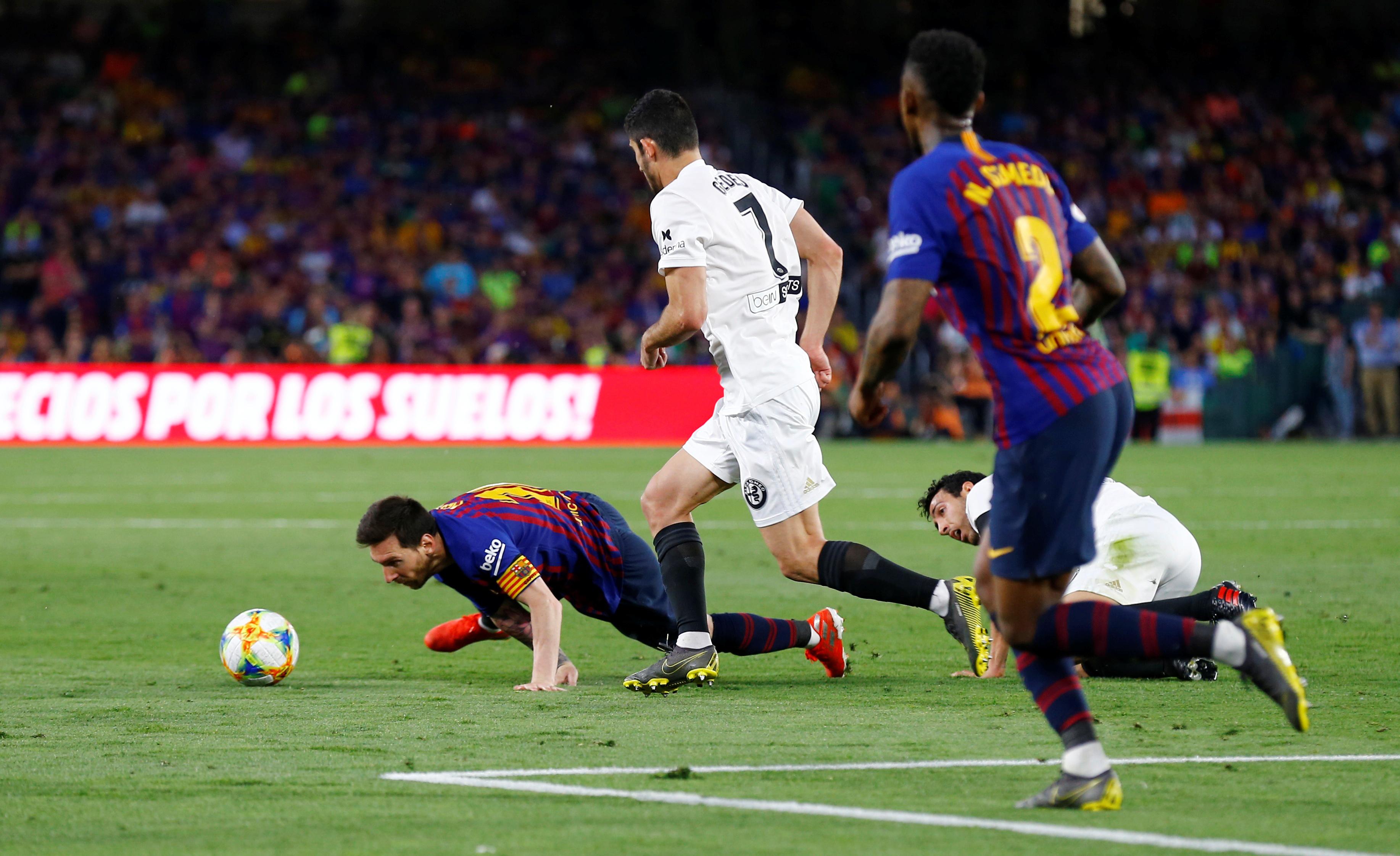 برشلونة ضد فالنسيا  (18)