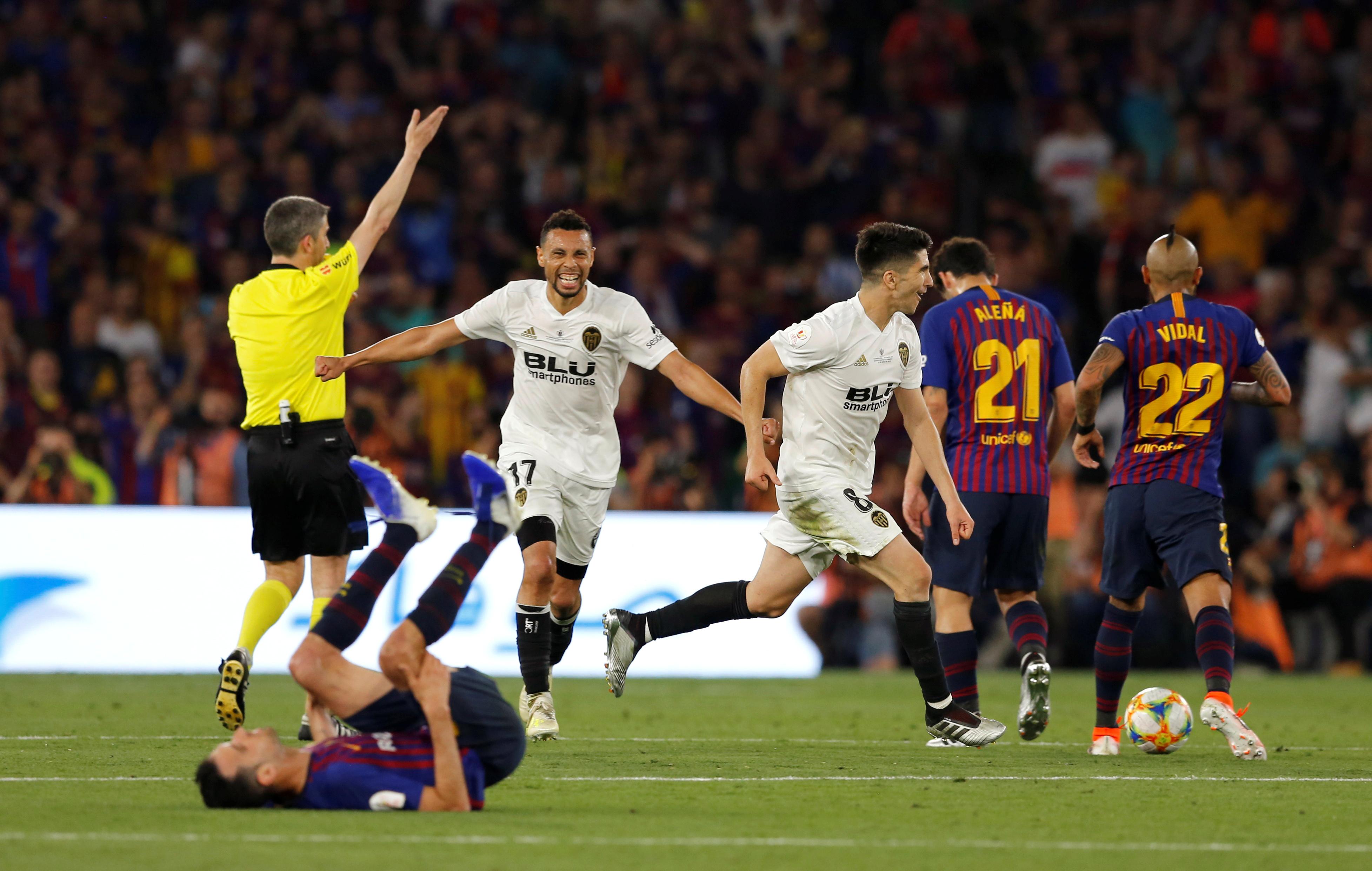 برشلونة ضد فالنسيا  (9)